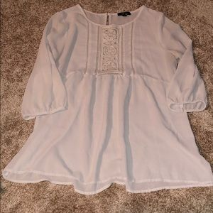 Creamer sheet eyelet blouse